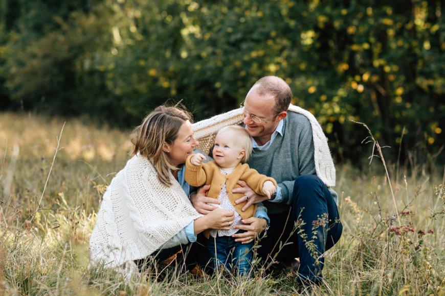 Kinderfotos, Kinderfoto, Fotoshooting in der Natur, Familienfoto, Familienglück, Familienliebe, Familienfotos, Familienfotograf Tübingen, Reutlingen Familienfotografin,