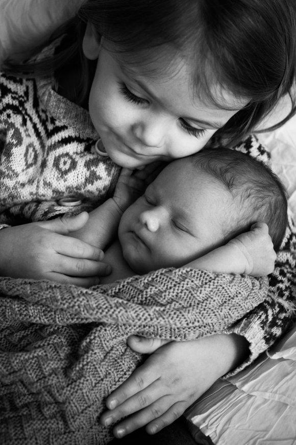 Fotografin für Schwangerschaftsfotos, Babyfotos, Kinderfotos, Familienfotos, Neugeborenenfotos, Babyfotografin unterwegs in Tübingen, Reutlingen, Stuttgart, Böblingen, Balingen, Villingen-Schwenningen und Umkreis